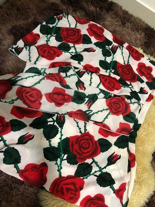 Double loop instant shawl with roses printed