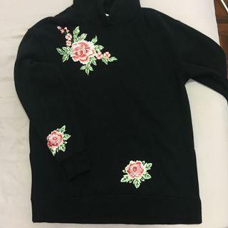 H&M Black Embroideries Flower Hoodie