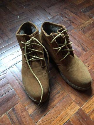 焦糖色 裏毛綁帶短靴
