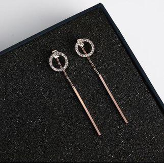🚚 Rose Gold Dangling Earrings