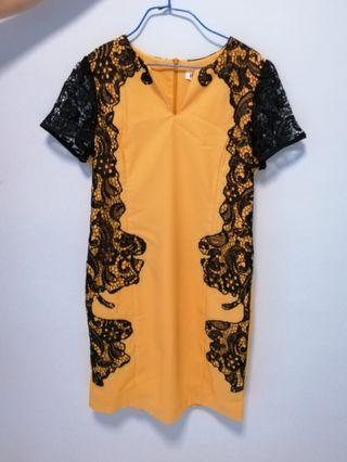 Cheong Sam Dress 旗袍 (Elegant Yellow Cheong Sam/黄色旗袍)