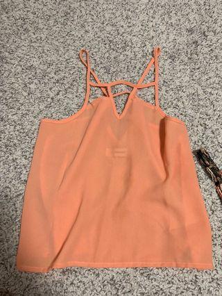 🚚 Light orange top
