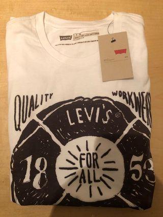 BNWT Levi's t shirt