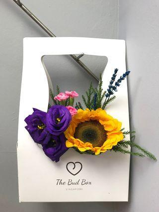 Sunflower and eustomas bloombox