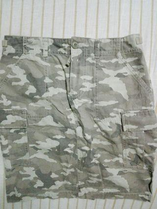 Uniqlo Japan Army Skirt, new