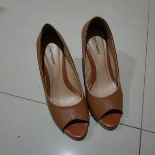 Wedges Hush Puppies original counter