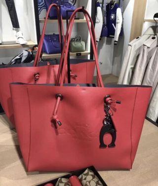 COACH 荔枝紋真皮材質 壓印馬車logo 大款購物袋 女士單肩包 托特包