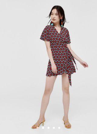 🚚 Lovebonito Dakshi Printed Wrap Dress