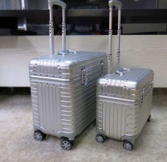 """Luggage, Aluminium Luggage 20"""" 22"""""""