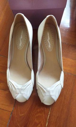 [接近全新 Near new] Le Saunda shoes
