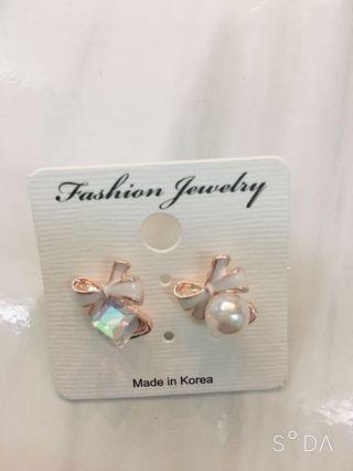 🚚 《正韓》韓國東大門氣質蝴蝶結珍珠貼耳式耳環