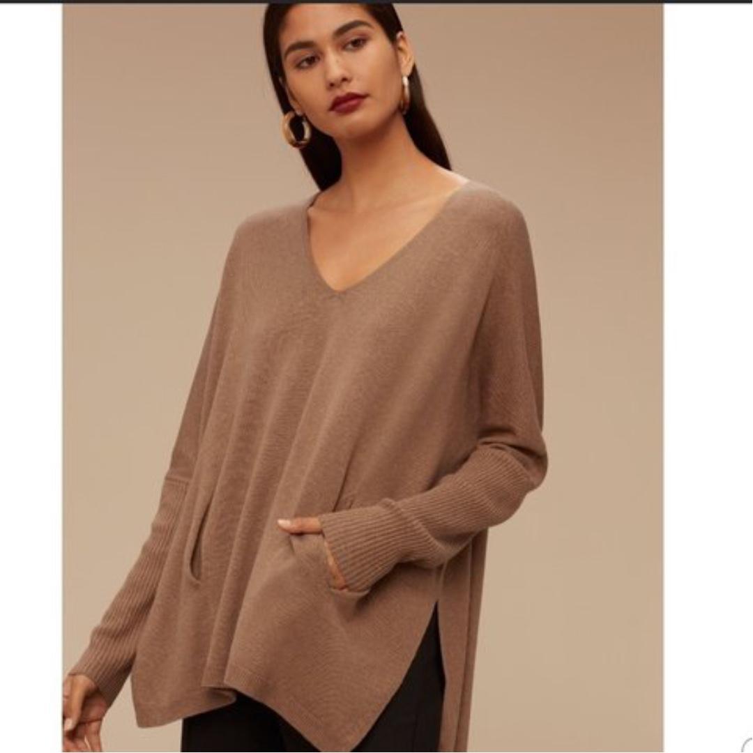 "Aritzia ""Baylor"" Sweater in Camel size XXS- fits big"