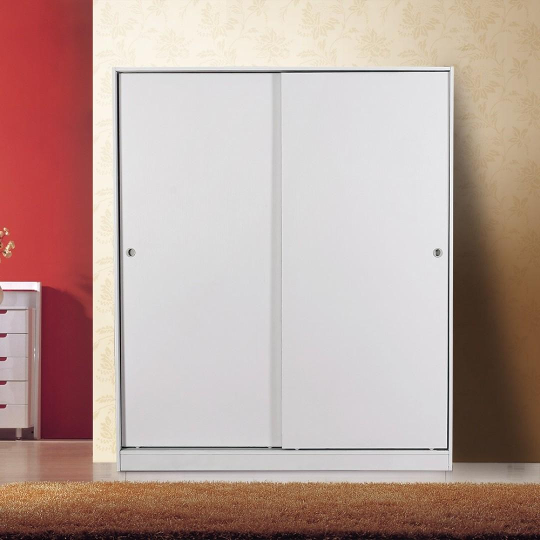 Free Delivery and Assembly ! Sliding Door 1.6 M Wide Wardrobe at $599