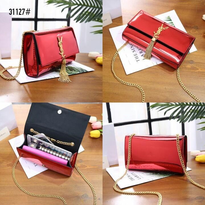 Kate Tassel Chain Bag 31127#22  H 770rb  Bahan kulit (patent leather) Dalaman suede tebal Kwalitas High Premium AAA Tas uk 23,5x4x13,5cm Berat dengan box 0,8kg  Warna : -Dark Silver -Red -Silver Include Box