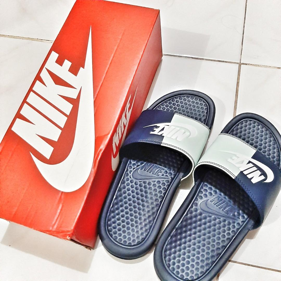 newest a193b 31e0a Nike Slippers Slip Ons Benassi JDI Size 6-7 Womens Authentic ...
