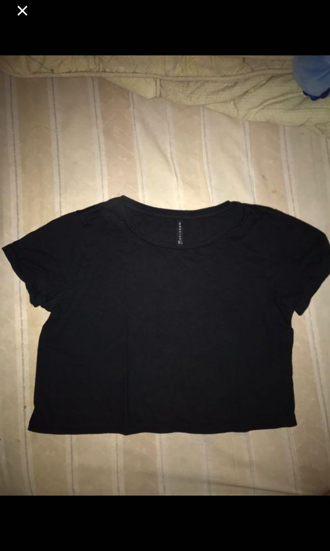 STRADIVARIUS Black Crop Top