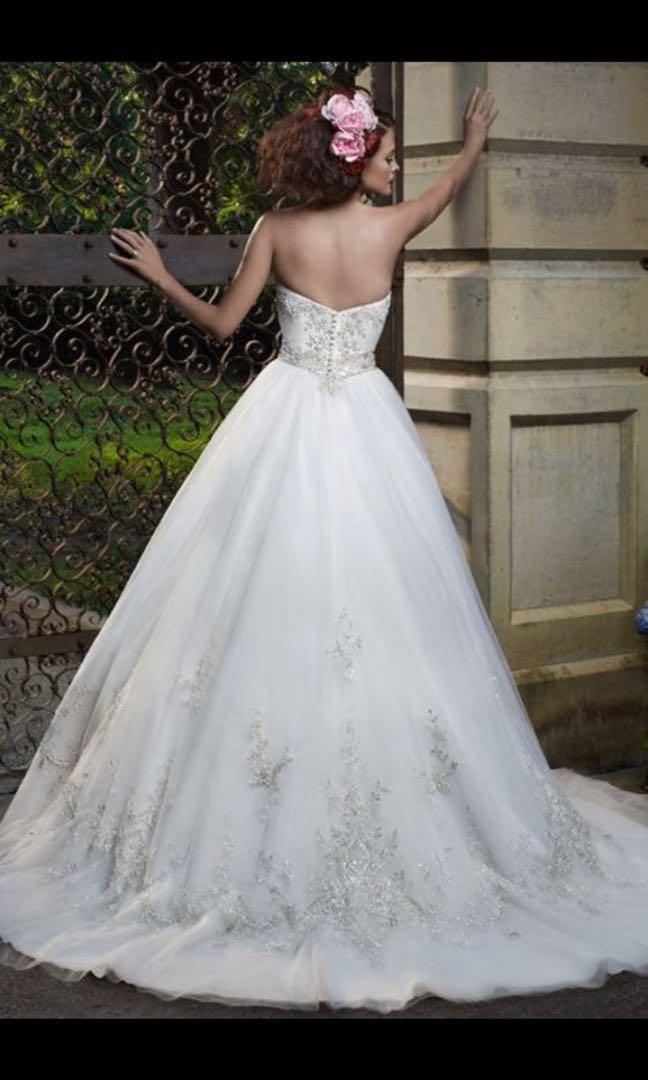 Wedding dress, brand new, never worn, never altered, size 4-6, $650 OBO