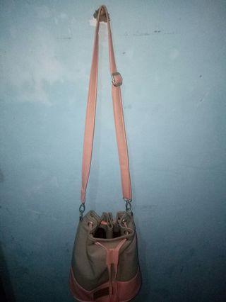 Sling bag buket