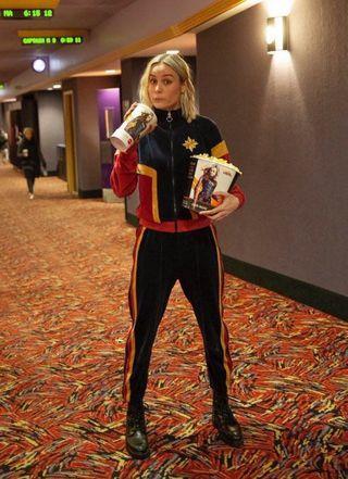 Captain Marvel Tracksuit Jacket + Sweatpants Jaket Velour Velvet Beludru Olahraga