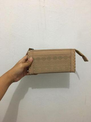 dompet nude greenlight