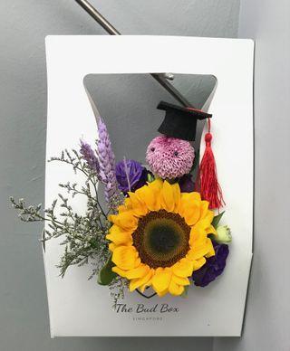 Sunflower graduation bloombox