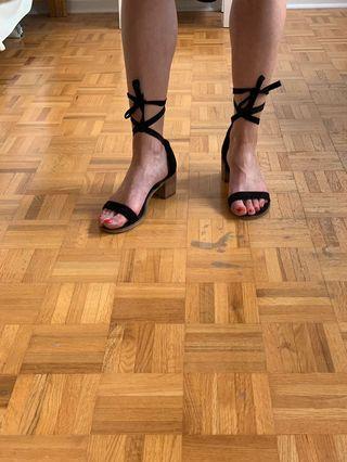 Steven madden strappy heeled sandals