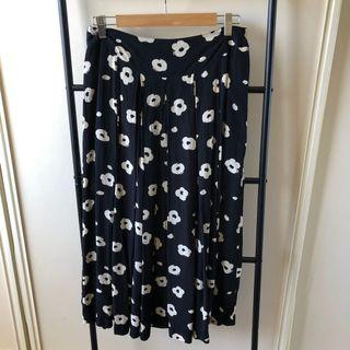 Vintage High Waisted Skirt (10)