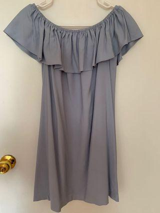 off the shoulder ruffle dress (from Honey)