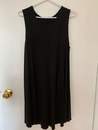 black flow dress (from Brandy Melville)