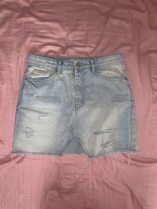 mini distressed denim skirt - zara