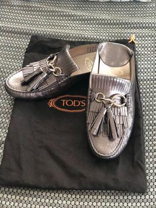 Authentic Tods size 7.5