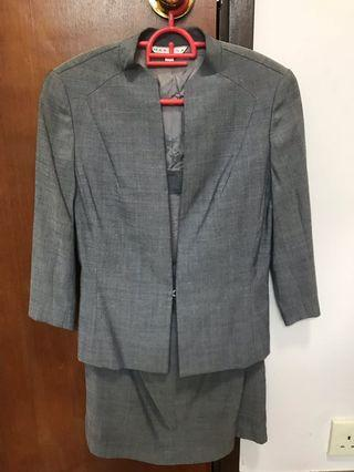 Mastina suit with skirt