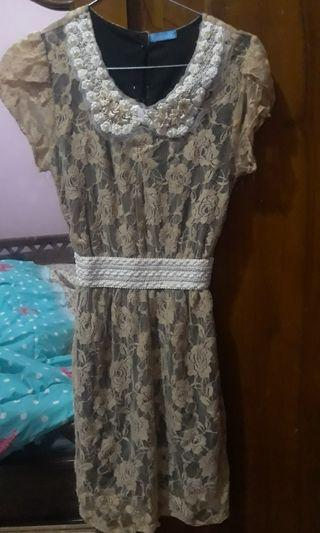 Dress brokat bunga cokelat