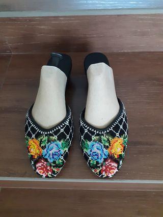 🚚 Peranakan Nonya Beaded slippers MANEK POTONG