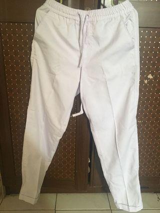 Celana putih kain