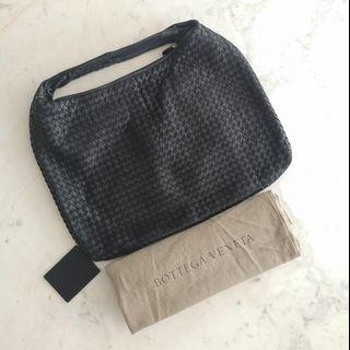 Bottega Veneta Large Veneta Bag in Black