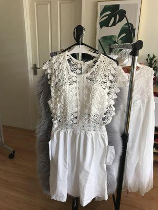 (White) Embroidered lace stitching lace sleeveless dress