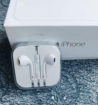 Apple Earpiece Charger Head and Lightning Cable