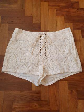 H&M Lace-up Shorts #amplifyjuly35