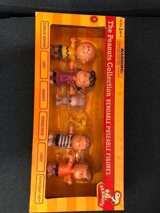 Peanuts bendable figures set snoopy charlie brown