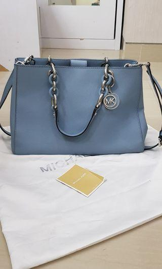 Michael Kors Cynthia Medium in baby blue