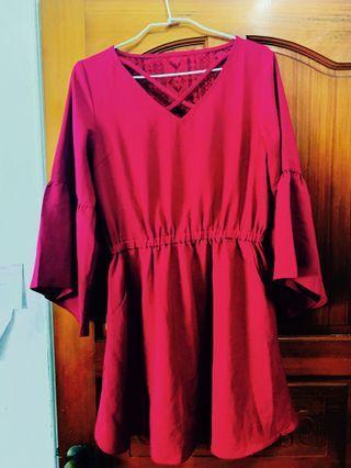 全新mercci22 酒紅後蕾絲簍空洋裝