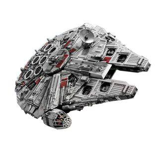 05033 Ultimate Collector's Millennium Falcon Star Wars