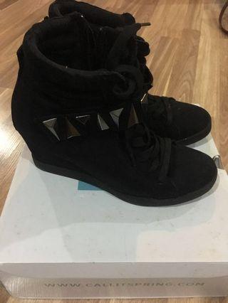 Aldo platform boots/shoes