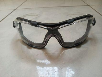 Protective Eyewear with Anti-Fog Lens