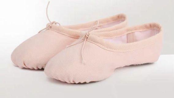#AmplifyJuly35 ballet shoes Cotten canvas / nude size 28