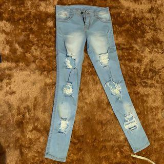 Ripped Jeans light blue celana robek wanita