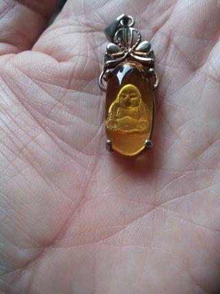 Liontin Budha kuning dari China