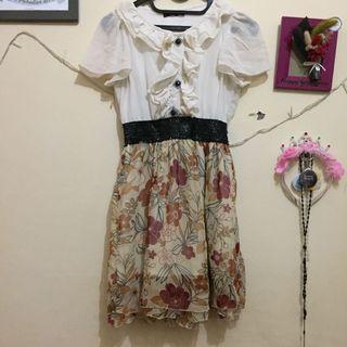 #maugopay Dress Putih Rok Bunga