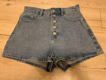 基本牛仔短褲